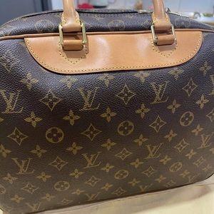 Louis Vuitton Deauville ( great condition)